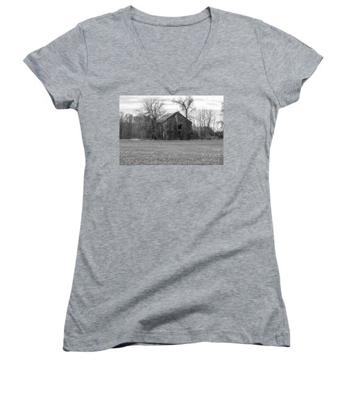 Women's V-Neck T-Shirt featuring the photograph Old Barn by Charles Kraus
