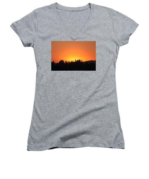 Oregon Sunset Women's V-Neck T-Shirt (Junior Cut) by Melanie Lankford Photography