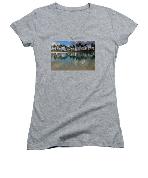 Palm Trees Crystal Clear Lagoon Water And Tropical Fish Women's V-Neck