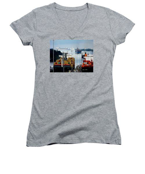 Panama Express Women's V-Neck T-Shirt