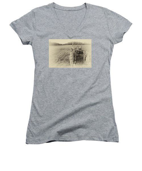 Peach Glen Pennsylvania Women's V-Neck T-Shirt (Junior Cut) by Tony Cooper
