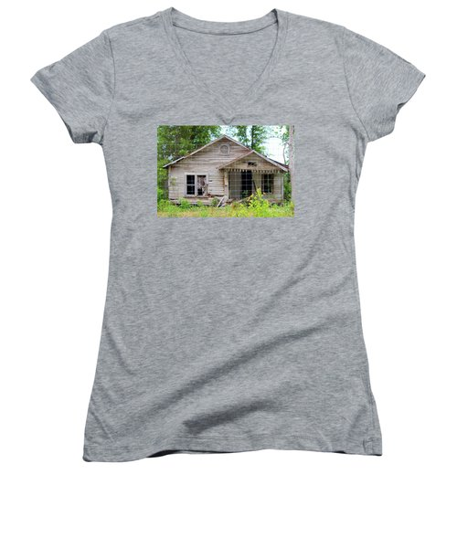 Peeking In At The Past Women's V-Neck T-Shirt