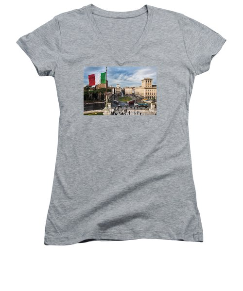 Piazza Venezia Women's V-Neck
