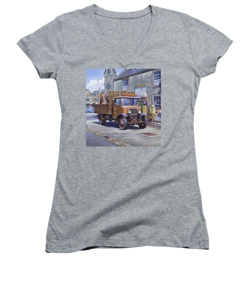 Piggy Goes To Market Women's V-Neck T-Shirt (Junior Cut) by Mike  Jeffries
