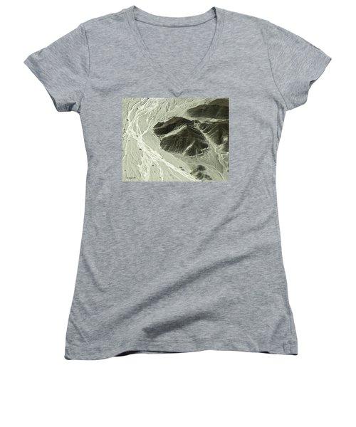 Plains Of Nazca - The Astronaut Women's V-Neck