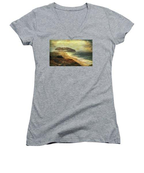 Point Sur Lighthouse Women's V-Neck T-Shirt