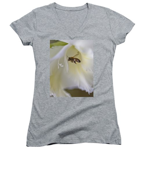 Pollen Carrier Bee Women's V-Neck (Athletic Fit)