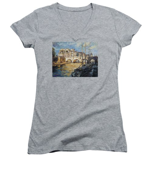 Pont Neuf Paris Women's V-Neck (Athletic Fit)