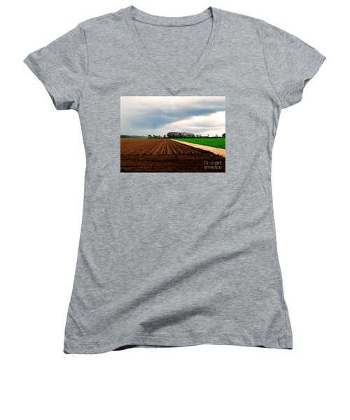 Women's V-Neck featuring the photograph Promissing Field by Luc Van de Steeg