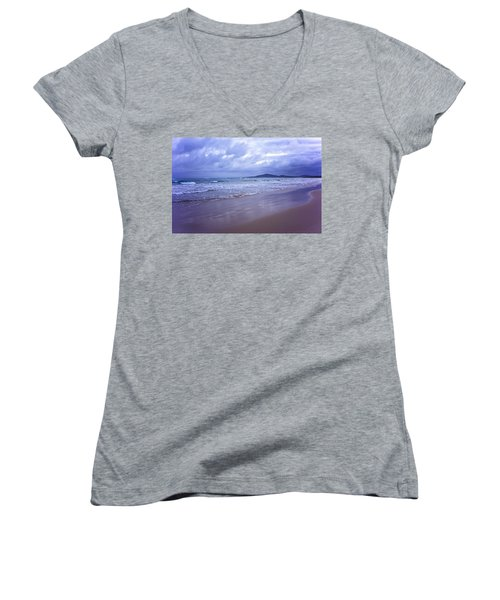 Puerto Villamil Women's V-Neck T-Shirt