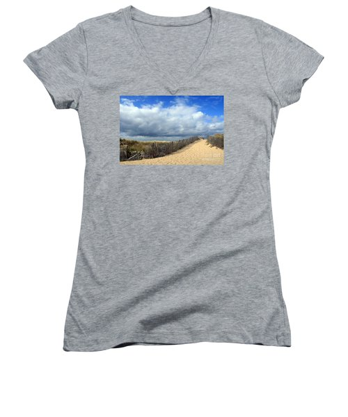 Race Point Women's V-Neck T-Shirt (Junior Cut)