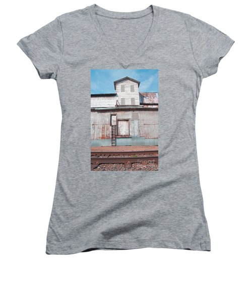 Railroad To The Past Women's V-Neck T-Shirt