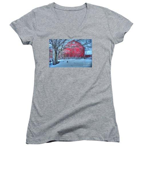 Red Barn In Winter Women's V-Neck T-Shirt
