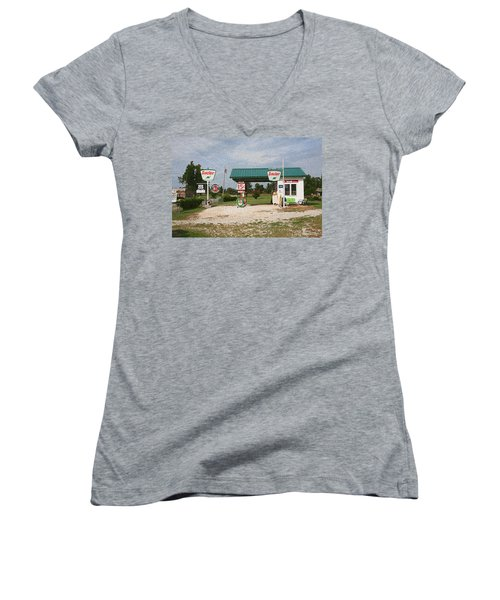 Route 66 Gas Station With Sponge Painting Effect Women's V-Neck (Athletic Fit)