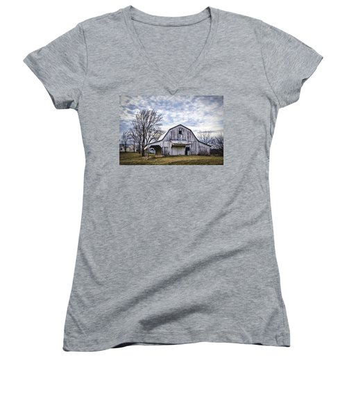 Rustic White Barn Women's V-Neck (Athletic Fit)