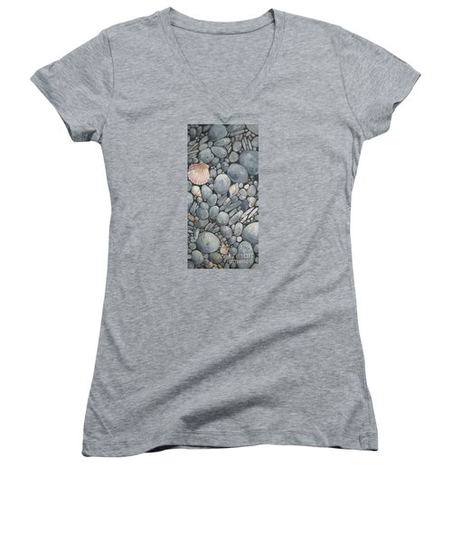Scallop Shell And Black Stones Women's V-Neck T-Shirt