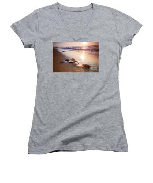 Sea Shells On Sand Women's V-Neck T-Shirt