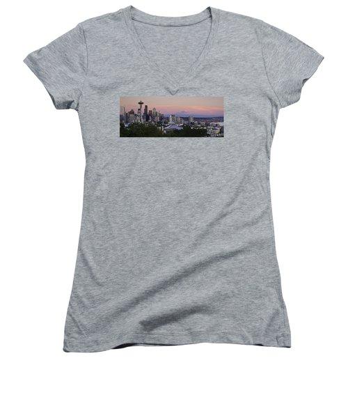 Seattle Sunset - Kerry Park Women's V-Neck T-Shirt (Junior Cut)