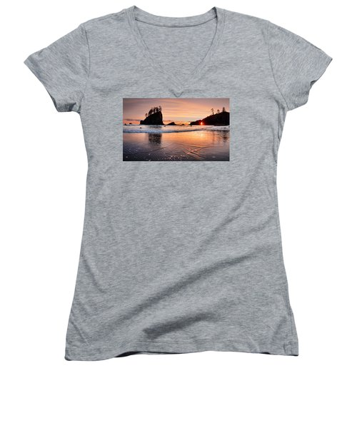 Second Beach Sunset Women's V-Neck T-Shirt