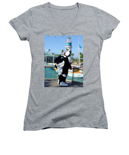 Shamu Women's V-Neck T-Shirt