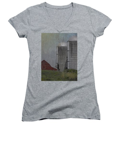 Silo And Barn Women's V-Neck T-Shirt (Junior Cut) by Photographic Arts And Design Studio