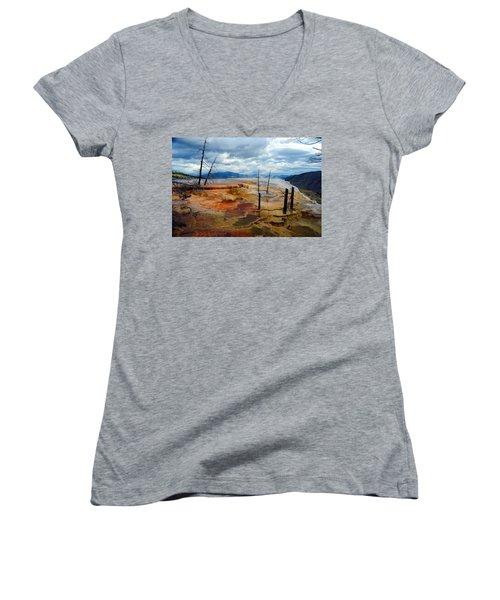 Simmering Color Women's V-Neck T-Shirt