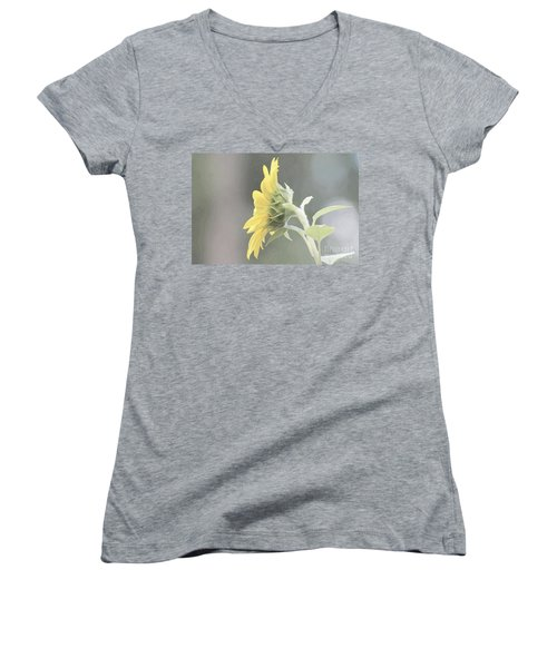 Single Sunflower Women's V-Neck T-Shirt