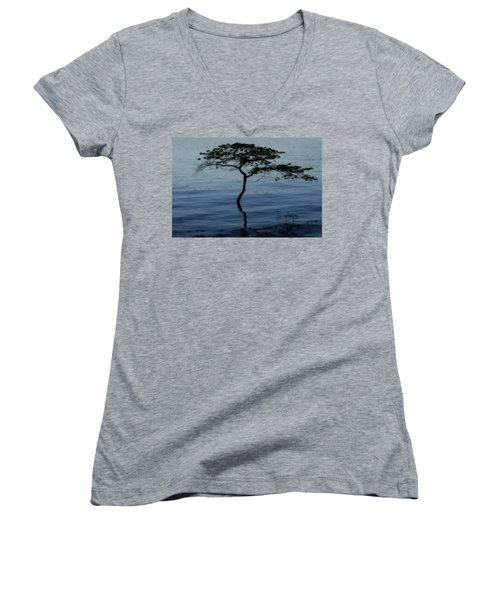 Solitaire Tree Women's V-Neck