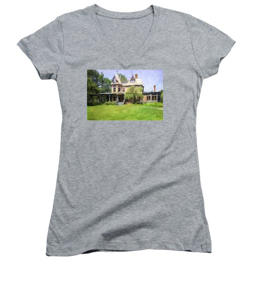 Southport Victorian Women's V-Neck T-Shirt