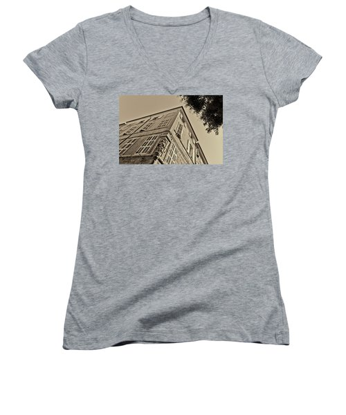 Statue In The Corner Women's V-Neck