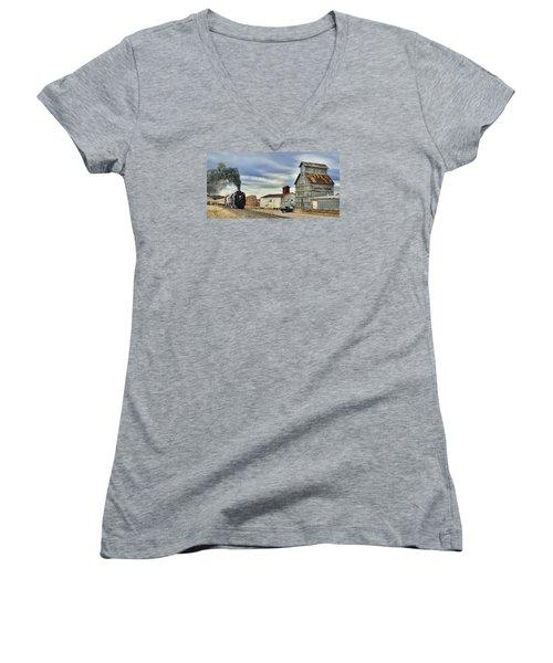 Steam In Castle Rock Women's V-Neck T-Shirt (Junior Cut) by Ken Smith