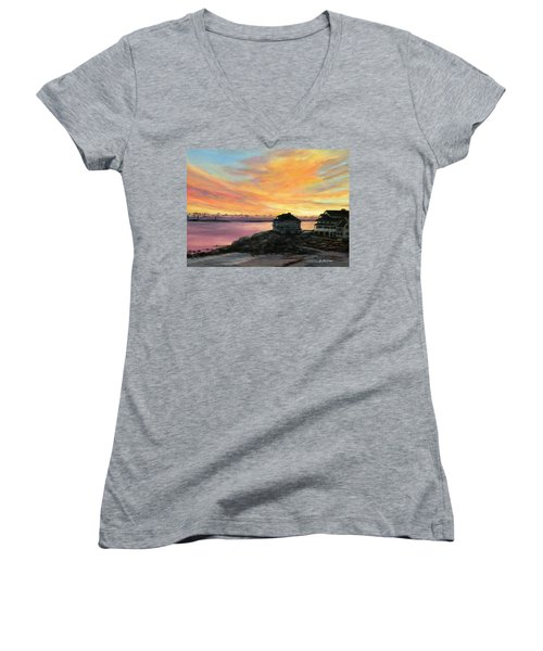 Sunrise Long Beach Rockport Ma Women's V-Neck T-Shirt