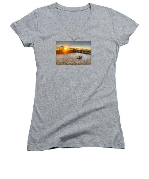 Sunset On The Thames Women's V-Neck T-Shirt