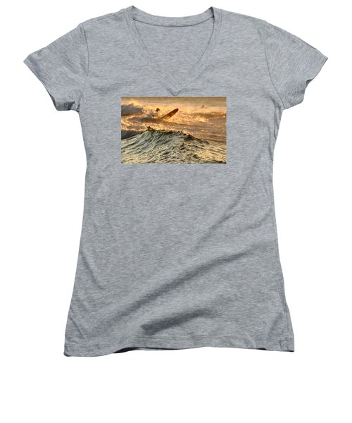 Swell Women's V-Neck (Athletic Fit)