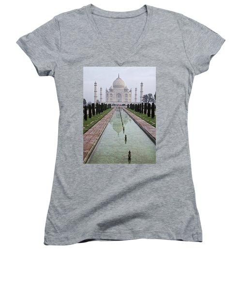 Taj Mahal Early Morning Women's V-Neck T-Shirt