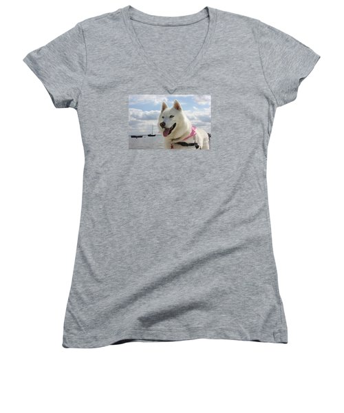 Women's V-Neck T-Shirt (Junior Cut) featuring the photograph Tehya by Vicki Spindler