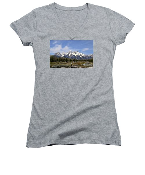 Teton Majesty Women's V-Neck