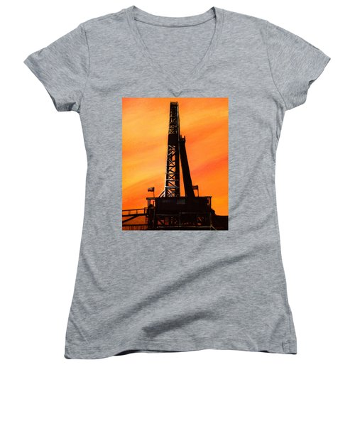 Texas Oil Rig Women's V-Neck T-Shirt