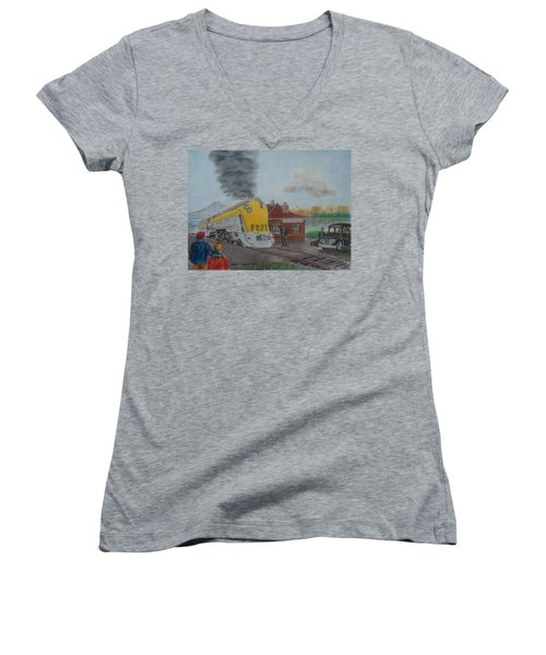 The Chesapeake And Ohio George Washington At South Portsmouth Station Women's V-Neck