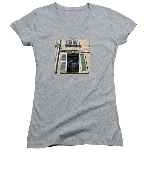 The Gucci Window Women's V-Neck T-Shirt