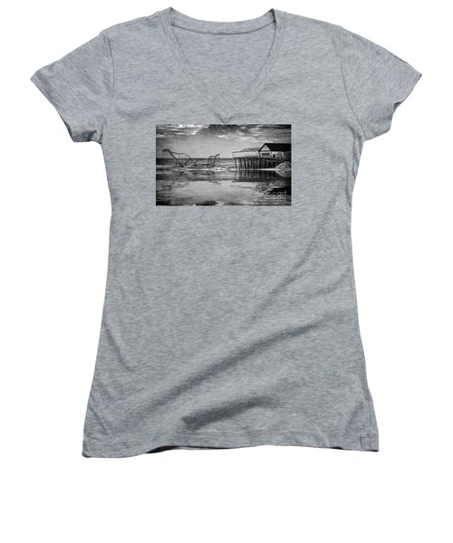 Women's V-Neck T-Shirt (Junior Cut) featuring the photograph The Jetstar by Debra Fedchin