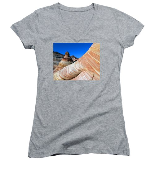 'the Wave' North Coyote Buttes 10 Women's V-Neck T-Shirt (Junior Cut) by Jeff Brunton