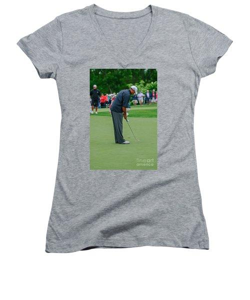 D12w-457 Tiger Woods Women's V-Neck
