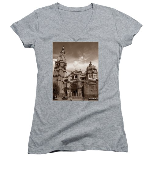 Toledo Cathedral Women's V-Neck