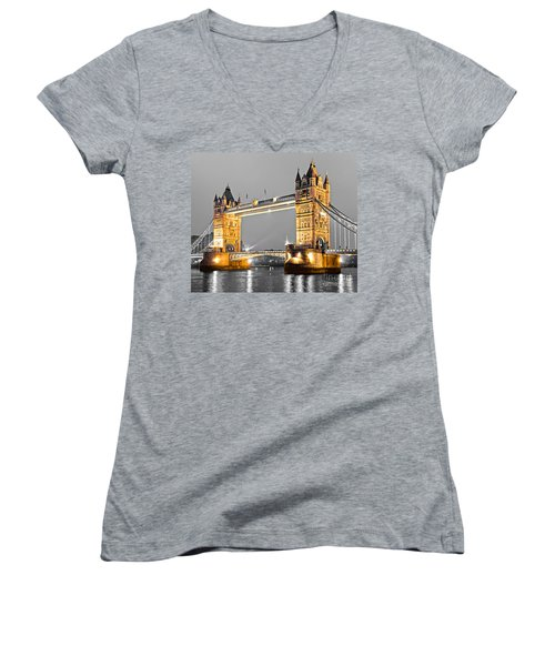 Tower Bridge - London - Uk Women's V-Neck T-Shirt