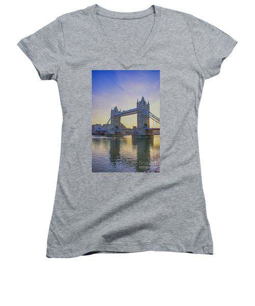 Tower Bridge Sunrise Women's V-Neck T-Shirt