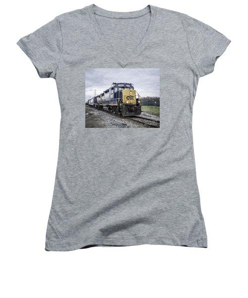 Train Engine 2668 Women's V-Neck T-Shirt