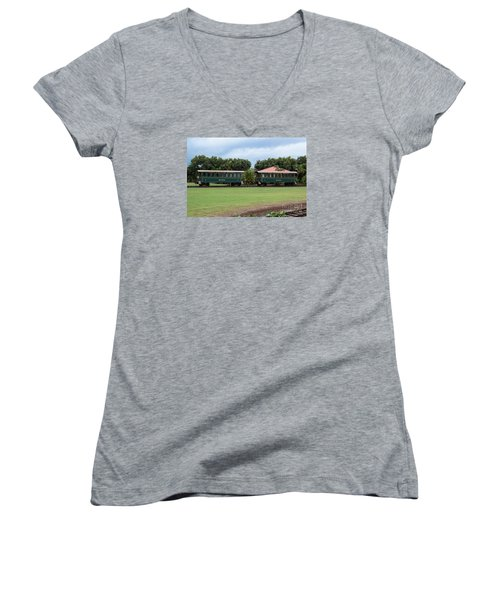 Women's V-Neck T-Shirt (Junior Cut) featuring the photograph Train Lovers by Suzanne Luft