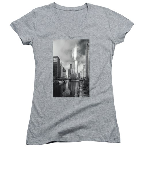 Women's V-Neck T-Shirt featuring the photograph Trump Tower In Chicago by Steven Sparks