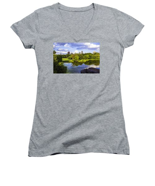 Vista Rock View 2  - Central Park - Manhattan Women's V-Neck (Athletic Fit)